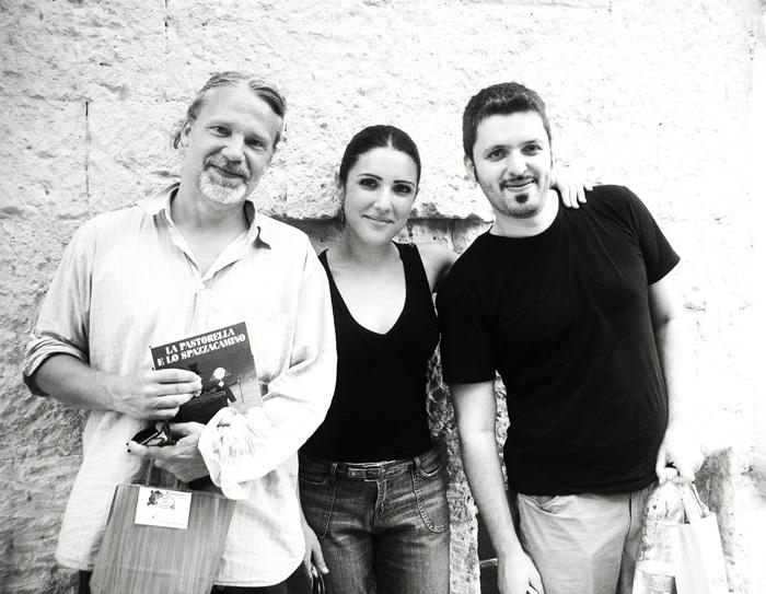 Il questa foto sono con Martin Widmark e mia sorella Milena Galeoto che ha curato il progetto portando il libro anche in Italia (lDall'alto del Cielo al fondo del Mare) e in altri Paesi.